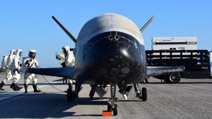Vzlétl tajemný raketoplán, který může přiblížit bezdrátový věk