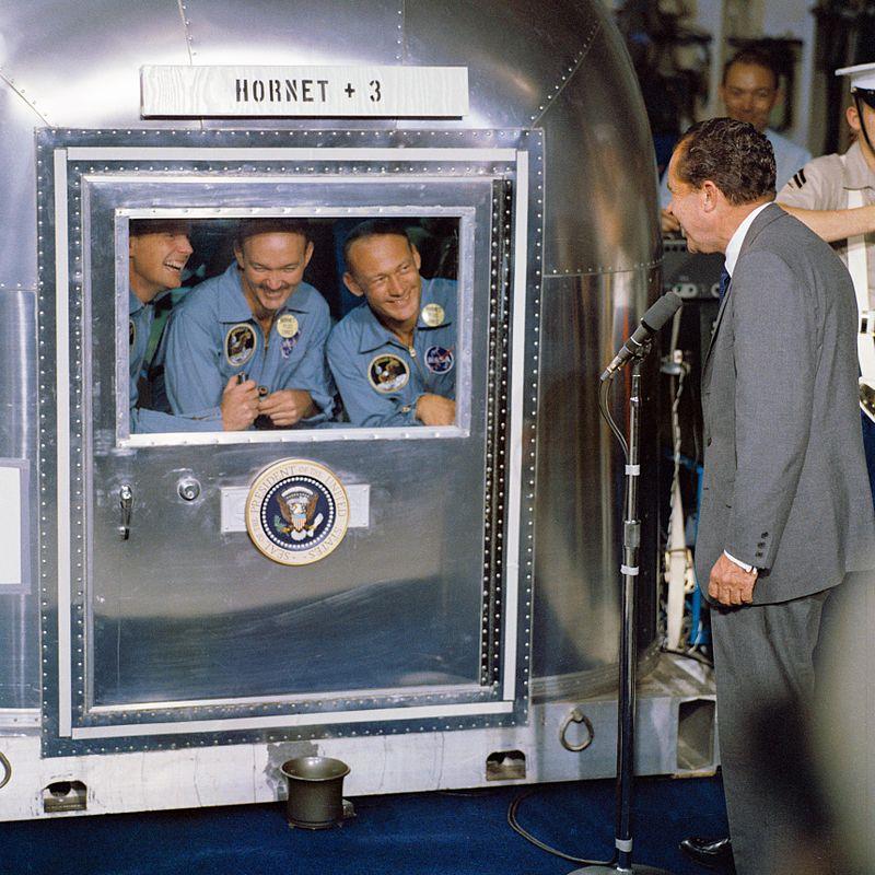 800px-President_Nixon_welcomes_the_Apollo_11_astronauts_aboard_the_U.S.S._Hornet