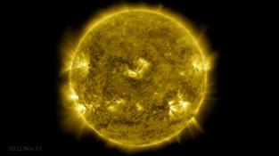 """Slunce """"očima"""" Observatoře sluneční dynamiky"""