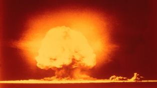 Trinity. První výbuch atomové bomby.