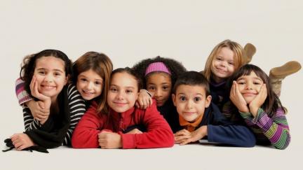 Děti mohou šířit covid jako divé, bývají nabité viry víc než dospělí