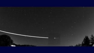 Tečný meteoroid nad Evropou.