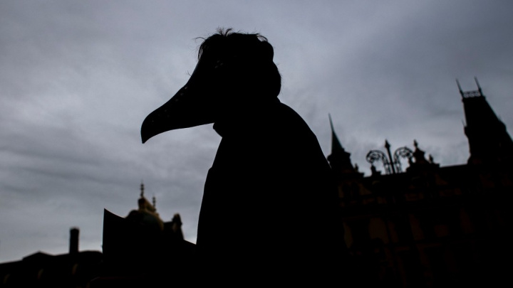 Bez tvrdého lockdownu bude v Česku do Vánoc 10 000 mrtvých