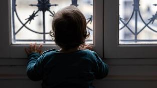 Zavřené školy jsou pro děti pohromou, varuje studie