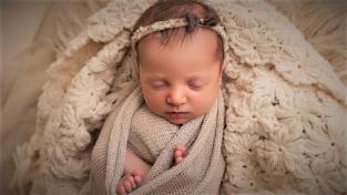 Molly Gibsonová, dítě zrozené z nejstaršího embrya.