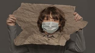 K roušce teď můžete mít i anticovid papír.