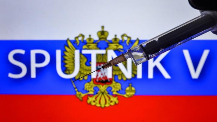 Ruský Sputnik V má účinnost 92 procent. Přiletí také do Česka?