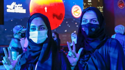 První arabskou sondu dostaly k Marsu ženy zahalené do hidžábu