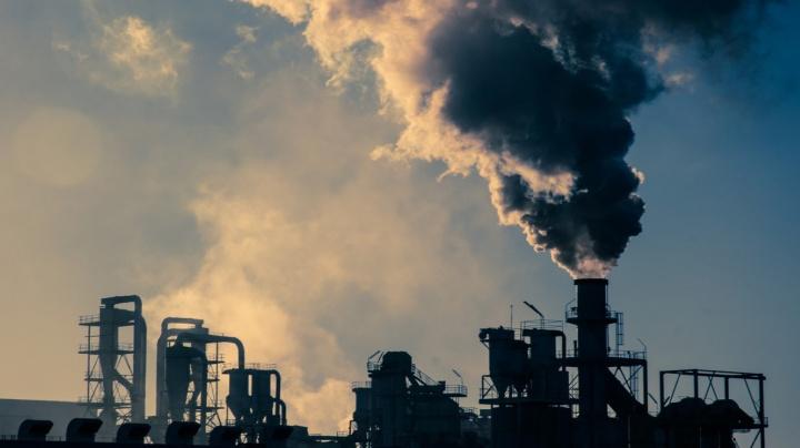 Oxid uhličitý v ovzduší dosáhl historicky nejvyšší úrovně