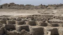 Tisíce let pod pískem