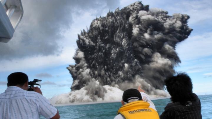 Dna oceánů připomínají Mordor. Jsou poseta sopkami
