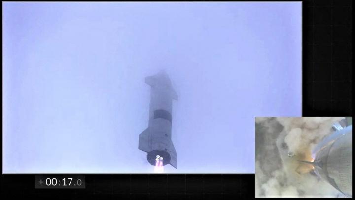 Mise splněna! Muskova Starship poprvé přežila testovací let