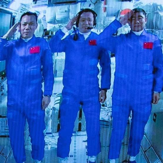 Číňané ukazují první video ze zabydleného 'obýváku' své vesmírné stanice