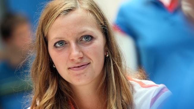 Čerstvá držitelka wimlbedonského titulu tenistka Petra Kvitová (na snímku) ve čtvrtek 7. července 2011 na autogramiádě a setkání s fanoušky v prodejně Nike v Praze. MICHAL KALÁŠEK / MEDIAFAX
