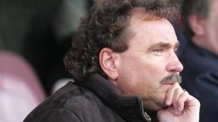 Horník se může vrátit k fotbalu, soud mu zrušil zbytek trestu