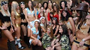 V Praze se konala 24. ledna 2012 tisková konference k oficiálnímu zahájení soutěže Sexy Liga, která do České republiky přináší atraktivní rugby v podání 100 krásných dívek, které na hřišti hrají v sexy dresech. ALEŠ BĚHOUNEK / MEDIAFAX
