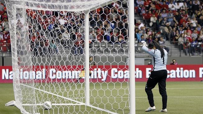 Brankářka Kostariky si dala kuriózní vlastní gól