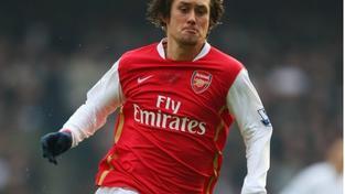 Arsenal s Rosickým otočil pohárový duel s Aston Villou