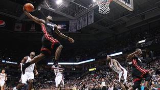 LeBron James prý bude potřetí nejužitečnějším hráčem NBA