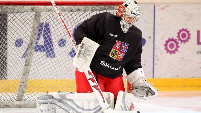V pražské O2 areně se 7. února 2012 konal trénink české hokejové reprezentace před Švédskými hrami, třetím turnajem seriálu Euro Hockey Tour. Na snímku Tomáš Popperle. MILAN KAMMERMAYER / MEDIAFAX