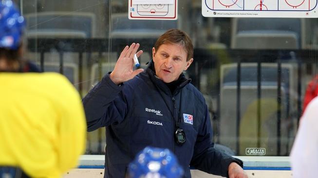 V pražské O2 areně se 7. února 2012 konal trénink české hokejové reprezentace před Švédskými hrami, třetím turnajem seriálu Euro Hockey Tour. Na snímku Alois Hadamczik. MILAN KAMMERMAYER / MEDIAFAX