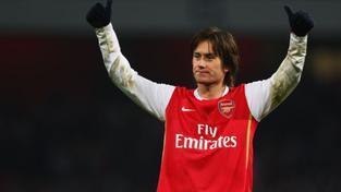 Rosického gól Arsenalu k postupu přes AC Milán nepomohl