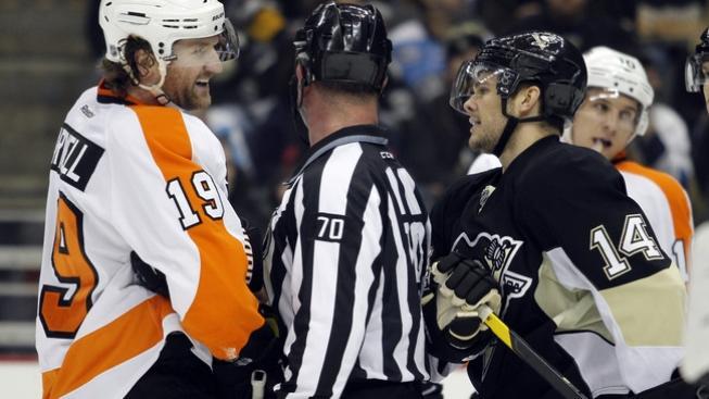 Hokej nebo bitka? Souboj Philadelphie s Pittsburghem nabízí obojí