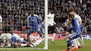 Čech si s Chelsea počtvrté zahraje finále Anglického poháru