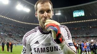 Čech prodloužil smlouvu s Chelsea do června 2016