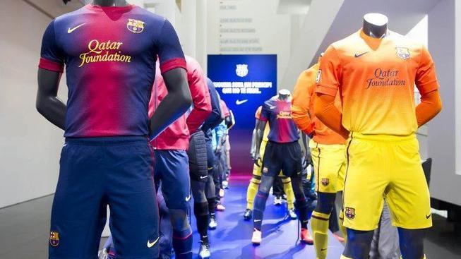Podívejte se na nové dresy Barcelony. Líbí se vám?