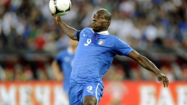 Italy's Mario Barwuah Balotelli during a friendly soccer match between Italy and Russia in Zurich, Friday, June 1, 2012. (AP Photo/Keystone, Walter Bieri)