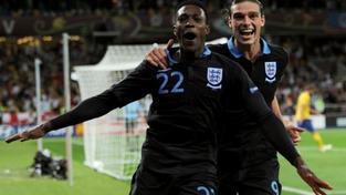 Anglie v zápase obratů porazila Švédy 3:2, Francie je v čele
