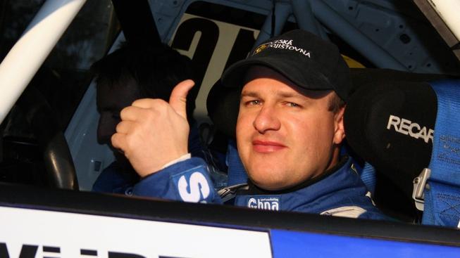 Tomáš Enge dne 24. října 2009 před startem WÜRTH PARTR RALLY VSETIN. MARTIN FORAL / MEDIAFAX