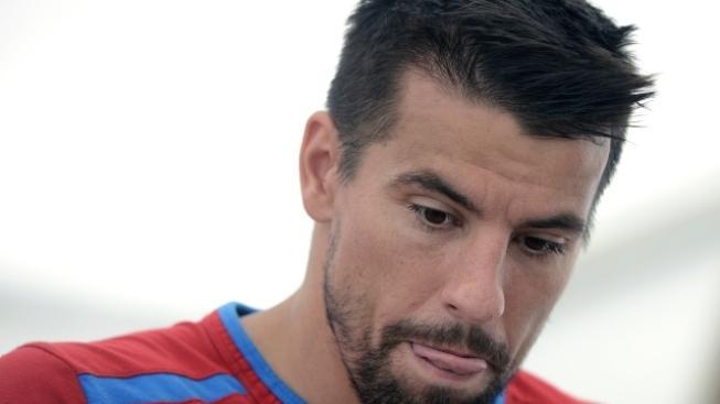 Milan Baroš hovoří s novináři 19. června po uzavřeném tréninku fotbalové reprezentace na mistrovství Evropy ve fotbale ve Vratislavi.
