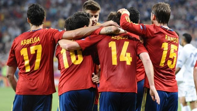 Image: 0136824379, License: Rights managed, DONETSK, June 24, 2012  Xabi Alonso (front 2nd R) of Spain celebrates for his goal with teammates during their quarterfinal match against France at the Euro 2012 football championships in Donetsk, Ukraine, June 23, 2012., Model Release: No or not aplicable, Credit line: Profimedia.cz, Zuma Press - News