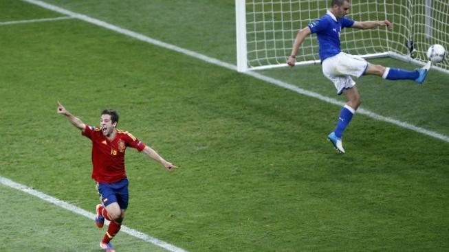 Španělsko - Itálie 2:0 po poločase