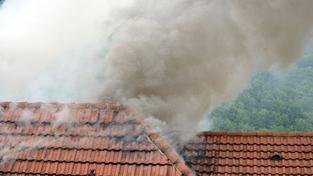Rodinný dům na Pelhřimovsku zachvátil požár. Škoda je 4 miliony