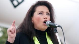 Nenuťte nám euro, chceme výjimku, bouří se Bobošíková. Založila i petici!