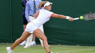 Tenistkám se na US Open nedaří, postoupila jen Cetkovská
