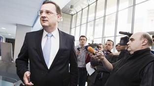 Nečas: Lessyho napadání členů vlády musí skončit