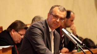 Ministerstva odevzdávají rozpisy výdajů, některá si stěžují