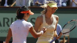 Čína oslavuje tenisovou hvězdu Li Na až měsíc po triumfu v Paříži