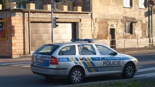 Šéf mostecké policie prý ´žehlil´ přestupky známých