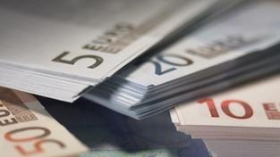 Zahraniční dluh Česka klesl na 1,887 bilionu Kč