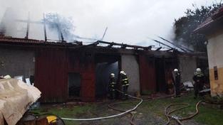 Blesk zapálil stodolu. Škoda je milion korun