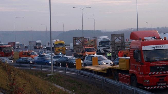 Dopravci chtějí blokovat silnice kvůli rozšiřování mýtného