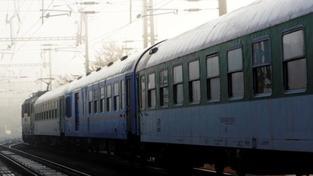 Dívky si chtěly udělat adrenalinovou fotku, přejel je vlak