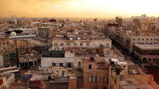 Letadla NATO útočí v Tripolisu na opevněné sídlo Muammara Kaddáfího