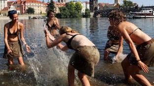 V Česku padaly teplotní rekordy, zemi zasáhly bouřky