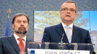 VV trvají na čtyřech ministrech. Kalousek varuje před ČSSD a komunisty